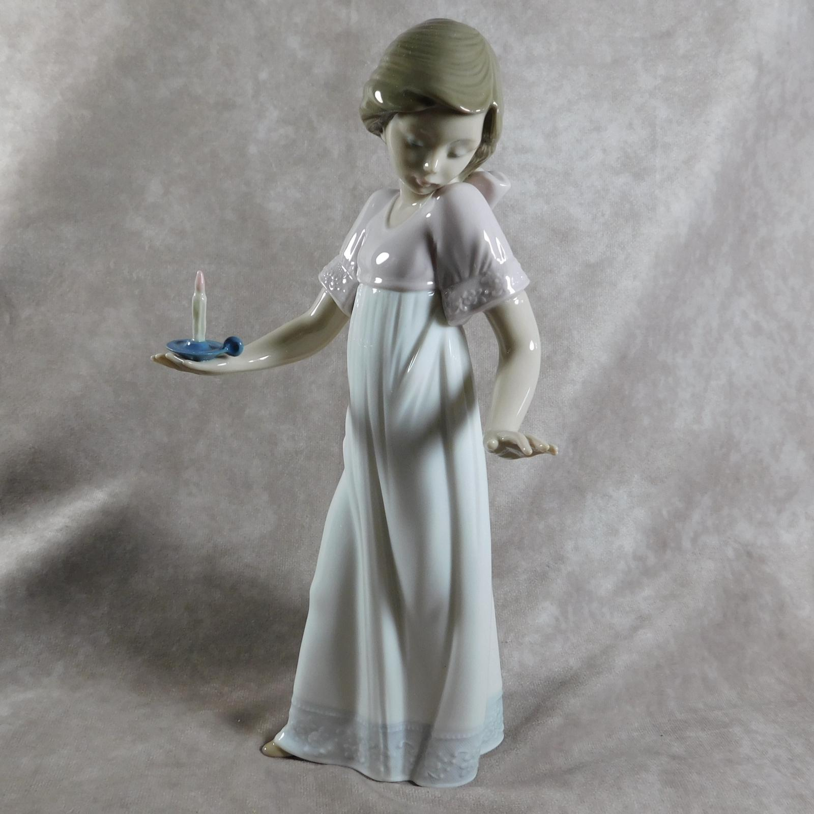 """Nina Con Palmatora"" or ""To Light The Way"" Hand Modelled Porcelain Figure by Nao (1 of 1)"