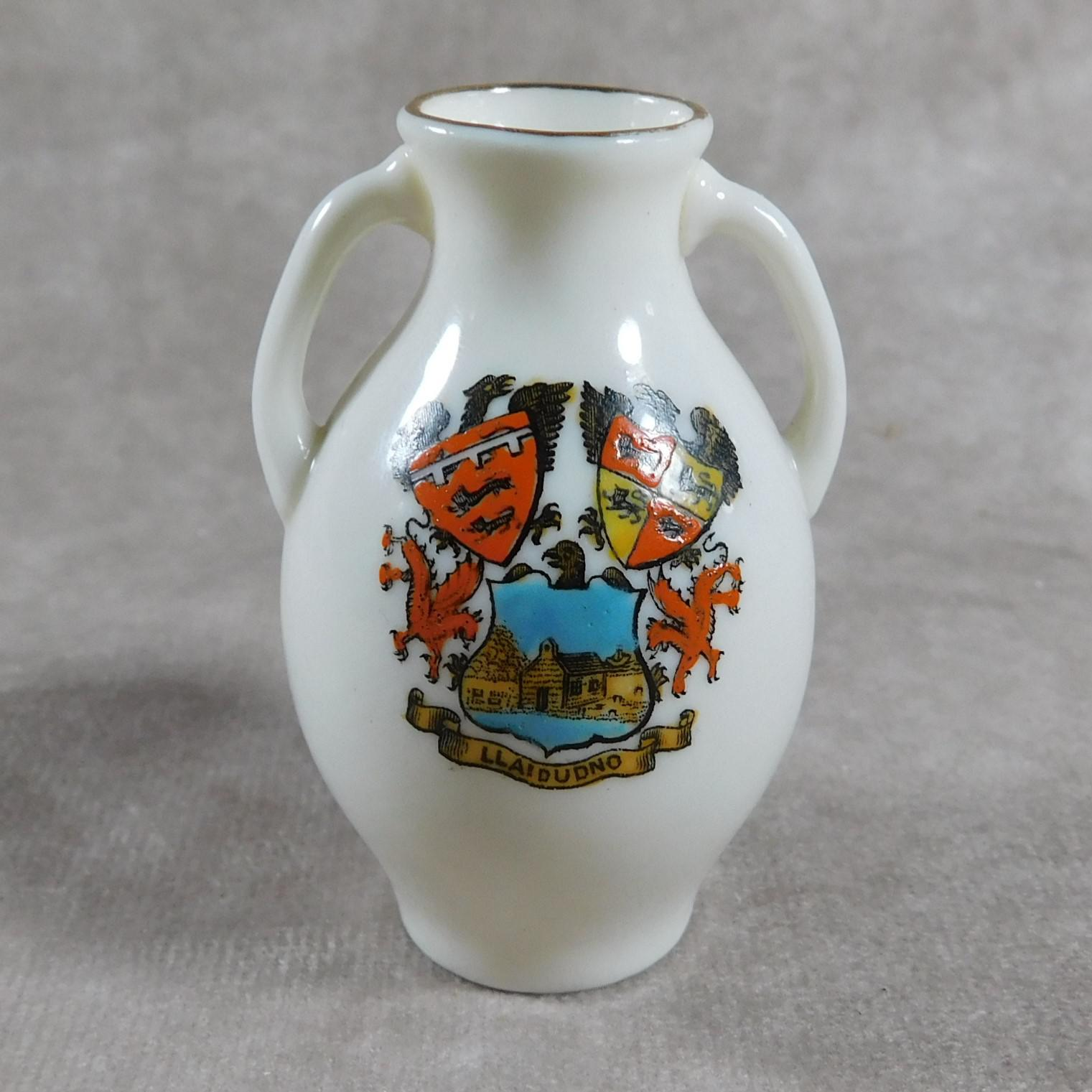 Unusual, W.H. Goss Crested Ware, Heraldic, Souvenir China, Misspelt  Place  NameVase (1 of 1)