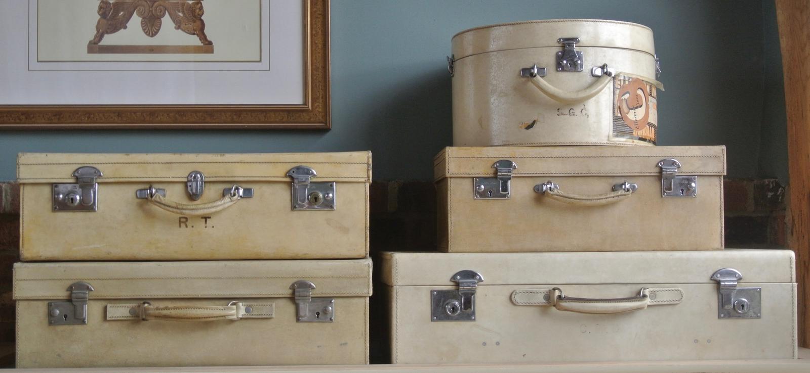 Set of Vintage Luggage (1 of 1)