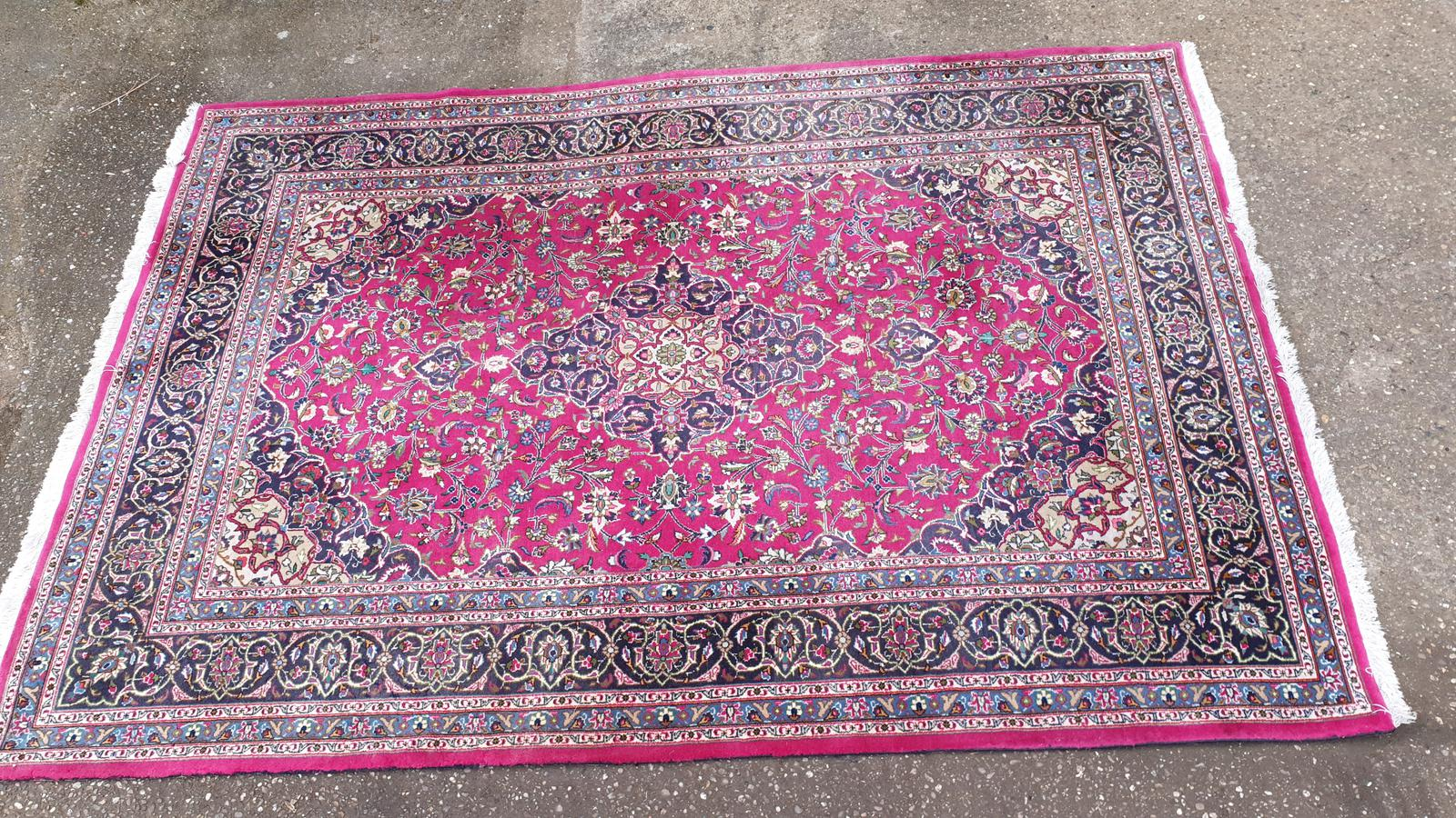 Excellent Quality Wool Carpet (1 of 1)