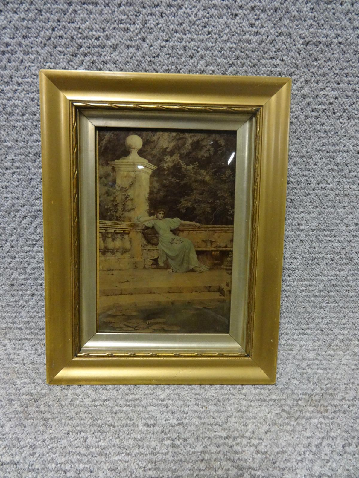 C19th Convex Glass Chrystoleum (1 of 1)