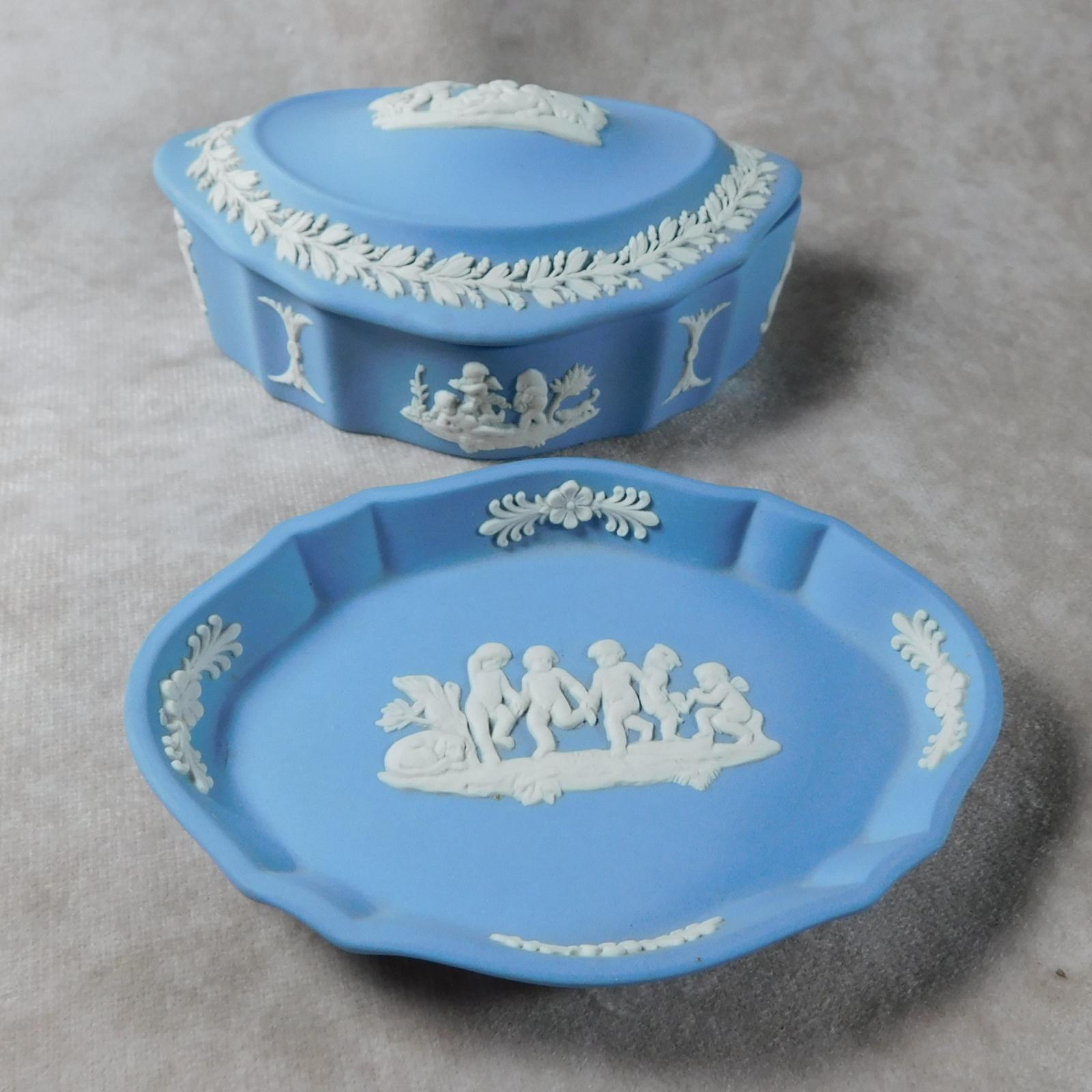 Wedgwood Blue Jasperware Trinket Box & Tray (1 of 1)