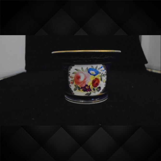 English Porcelain Circular Inkwell (1 of 1)