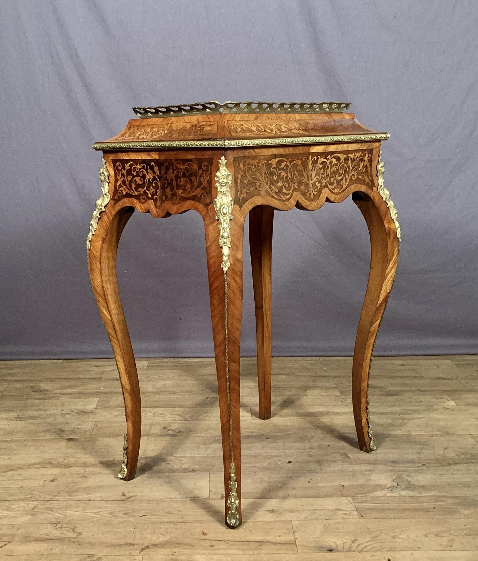 Anthony Wilkinson Decorative Antiques image (3 of 5)