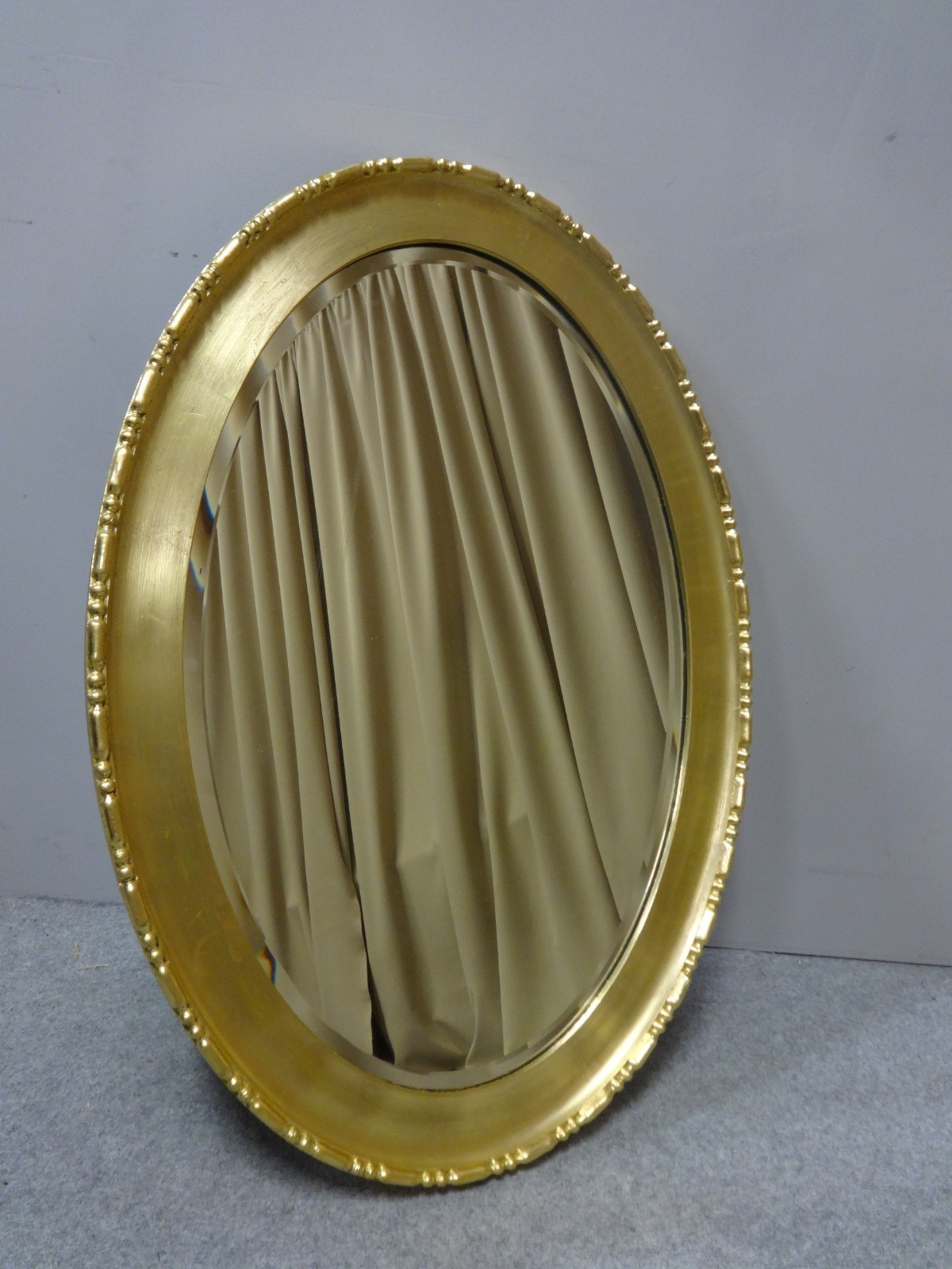 Very Good Edwardian Oval Gilt Mirror (1 of 1)
