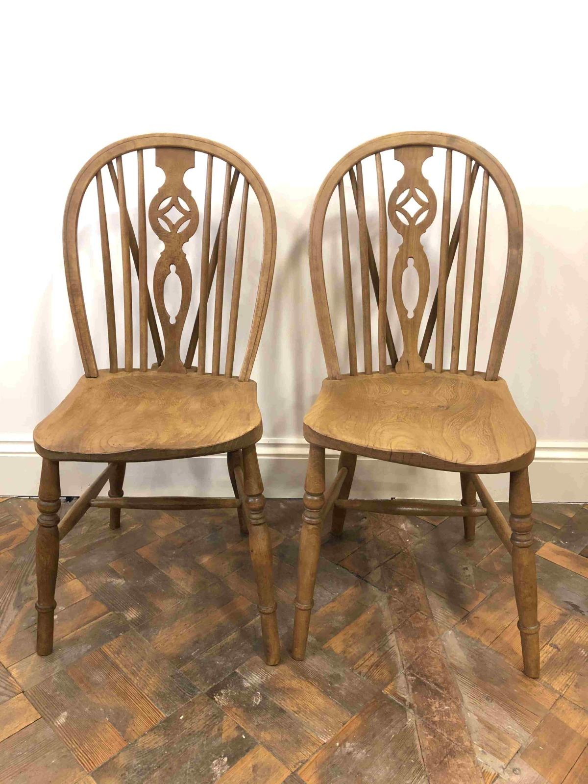 Pair Of Ash Elm Wheelback Country Kitchen Chairs B 657 La159593 Loveantiques Com