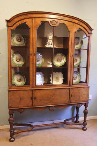 Quality Antique Walnut Display Cabinet (1 of 19)