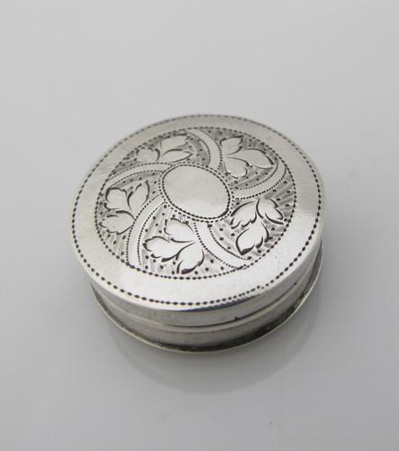 Beautiful Small Round George III Silver Patch Box Joseph Taylor Birmingham c1805 (1 of 7)
