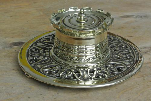 William Tonks & Sons Aesthetic Movement Castle Top Brass Inkwell c.1890 (1 of 6)