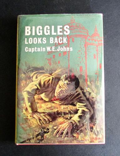 1965 Biggles Looks Back - A Story of Biggles & The Air Police by W E Johns - 1st Edition (1 of 5)