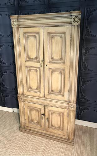 Pine Barrel Back Corner Cupboard in Original Paint (1 of 18)