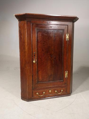 Late 18th Century Panelled Hanging Corner Cupboard (1 of 4)