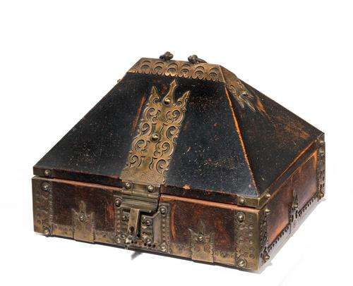 Early 19th Century Domed Top Eastern Spice Box (1 of 6)