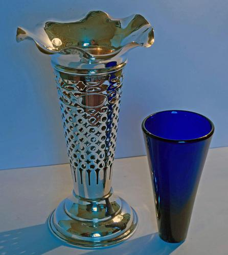 Edwardian Silver Trumpet Shaped Vase with Blue Glass Liner - Chester 1901 (1 of 4)