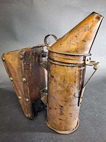 Antique Bee Hive Smoker (1 of 5)