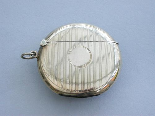 Edwardian 9 Carat Gold Circular Vesta Case (1 of 12)