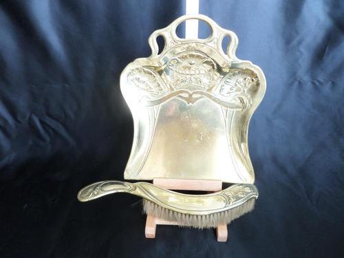 Art Nouveau Brass Crumb Tray & Brush (1 of 6)