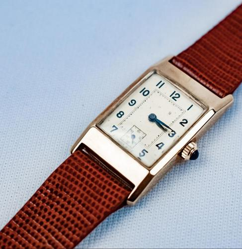 Art Deco 9ct Gold Case Gentlemen's Watch (1 of 5)