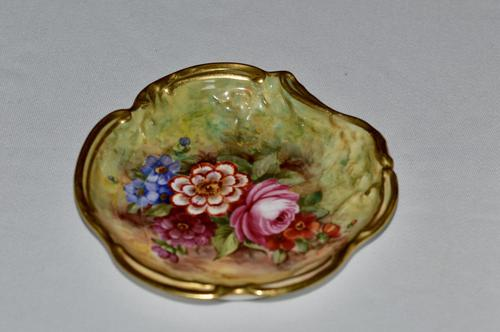 Royal Worcester Dish with Flowers on Mossy Ground, Signed J Freeman 1935 (1 of 4)