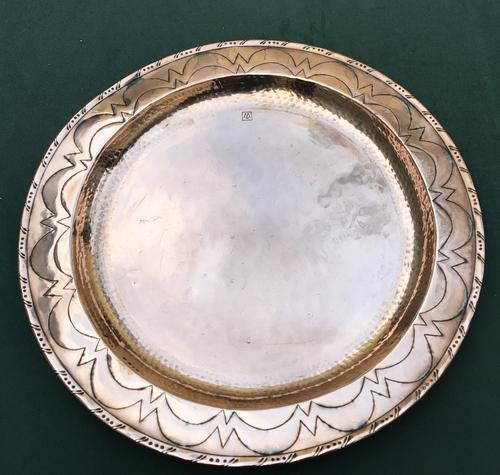 Hugh Wallis Arts & Crafts Copper Circular Tray (1 of 3)