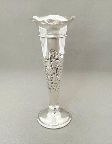 Superb William Comyns Silver Stem Vase (1 of 7)