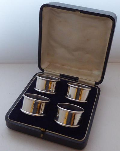 Boxed Set 4 1919 Hallmarked Solid Silver Napkin Rings Serviette Ring (1 of 6)