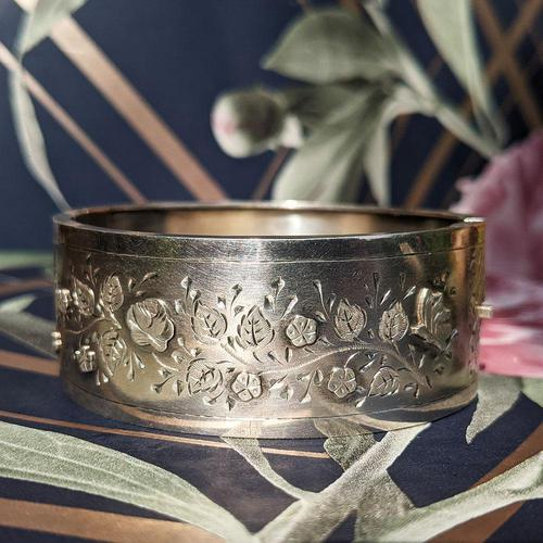 Antique Victorian Sterling Silver Aesthetic Movement Bangle, 1884 (1 of 9)