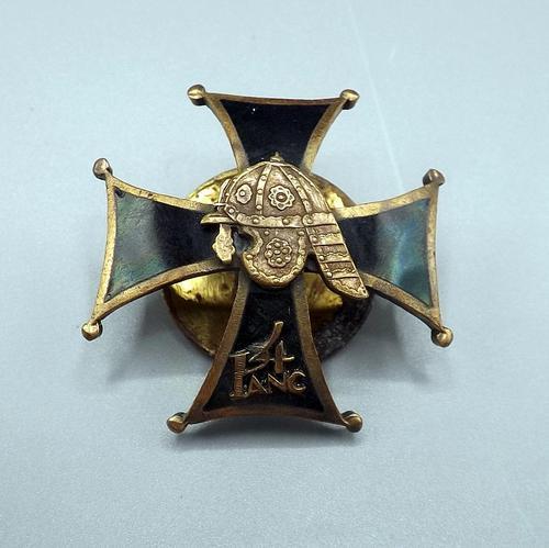 Polish WW2 4th Armoured Battalion c.1939 Breast Badge (1 of 5)