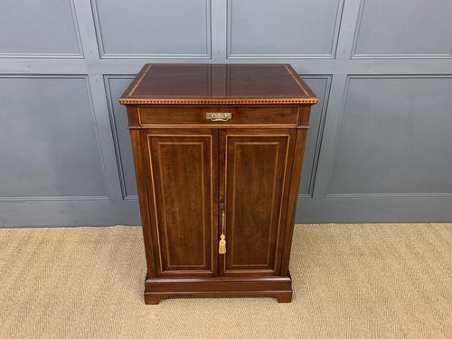 Howard & Sons Inlaid Mahogany Cabinet (1 of 14)