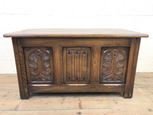 Vintage Carved Oak Blanket Box (1 of 10)