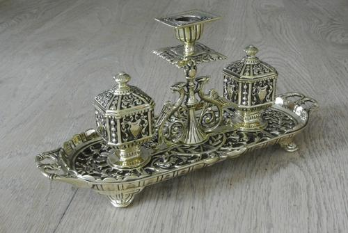 Fine William Tonks & Sons Brass Inkwell Registered Diamond for 1883 Double Inkstand (1 of 10)