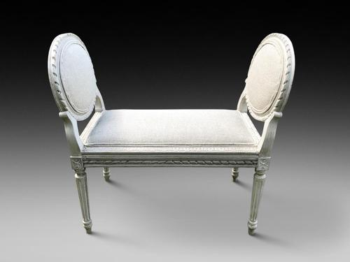 Desirable Window Seat (1 of 4)