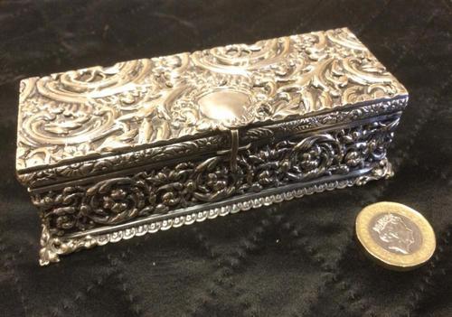 Edwardian Irish Silver Plated Trinket or Jewellery Box (1 of 12)