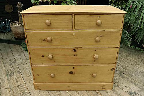 Gorgeous & Large Old Pine Chest of Drawers (1 of 7)