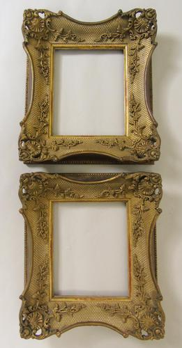 Good Pair of 19th Century Giltwood Fames (1 of 6)