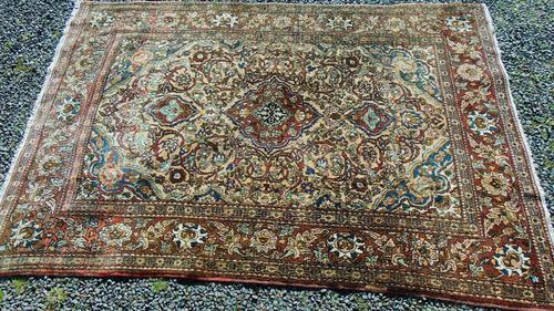 Antique Persian Ispahan Rug (1 of 11)