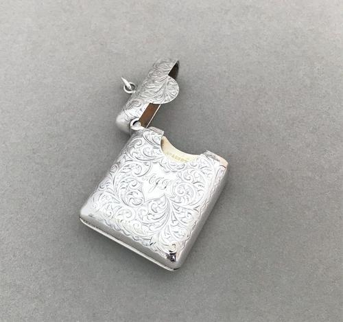 Fabulous dual purpose Edwardian silver vesta (1 of 5)