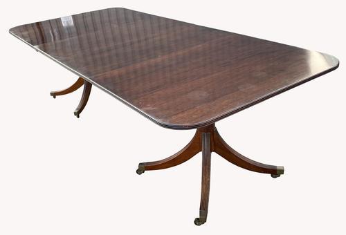 Mahogany Pedestal Dining Table by W. Tillman (1 of 8)