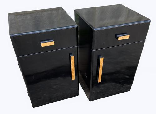A Pair of Art Deco Bedside Cabinets (1 of 8)