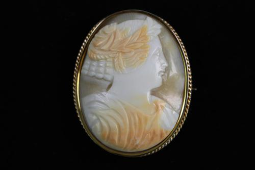 Gold mounted cameo brooch (1 of 4)