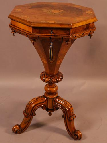 Very Good Victorian Hexagonal Sewing Stand (1 of 9)