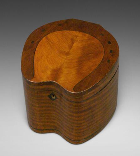 Very Rare 'Horse Shoe' Tea Caddy (1 of 5)