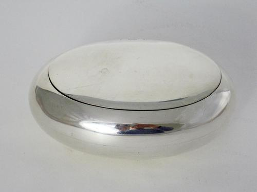 Completely Plain Pebble Shaped Silver Tobacco Box (1 of 6)