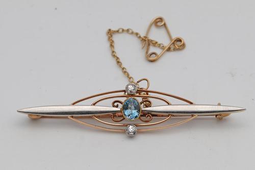 Edwardian Brooch in Platinum, Gold & Aquamarine (1 of 2)
