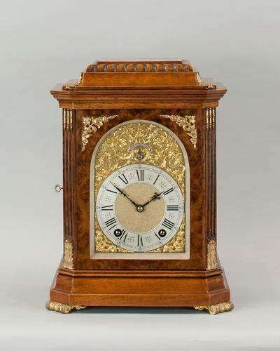 Fine Quality Burr Walnut Bracket / Mantel Clock By Lenzkirch (1 of 11)