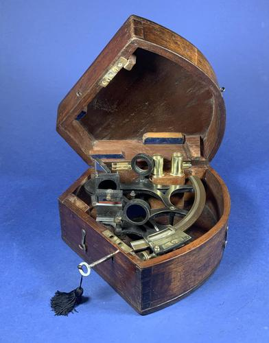 Victorian Brass Sextant In It's Original Mahogany Box. (1 of 18)
