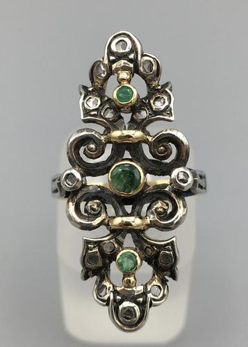 Victorian Emerald and Diamond Ring (1 of 8)