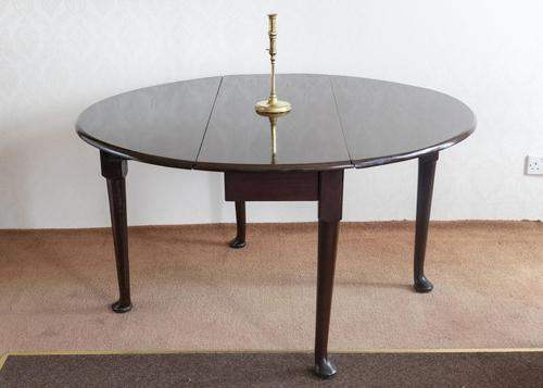 Early 18th Century Oval Pad Foot Table in Cuban Mahogany (1 of 5)