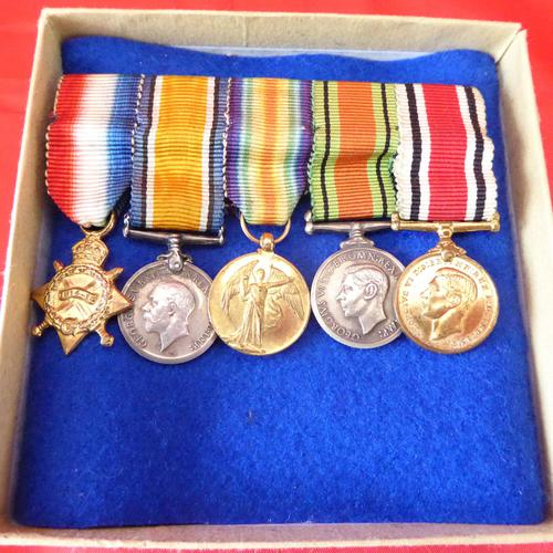 Set of Miniature WW1, WW2 & Police Medals (1 of 2)