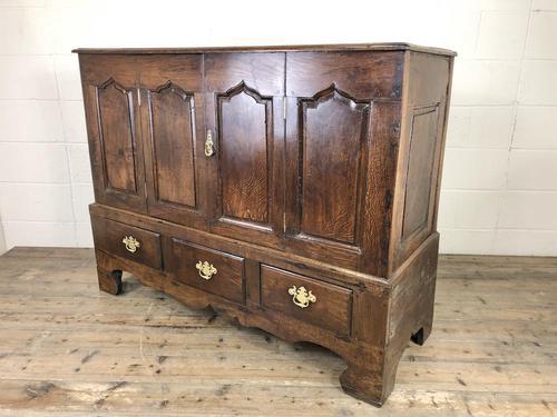 18th Century Welsh Oak Carmarthenshire Coffer (1 of 20)
